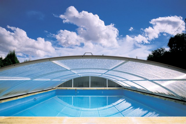 Jade abri de piscine bas t lescopique en kit direct usine for Prix piscine sur mesure
