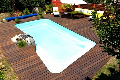 Piscines kit antilles kit piscine coque polyester fond for Piscine en kit 10m2
