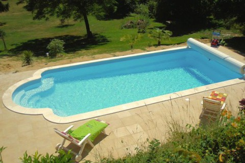 Piscines kit corinthe votre kit piscine polyester prix for Prix piscine en kit