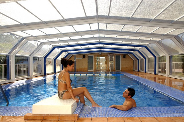 Abri de piscine haut sur mesure crystal abri de piscine for Abri piscine promotion