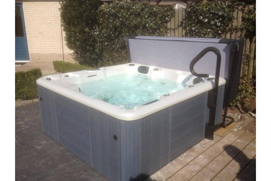 rampe d 39 acc s pour spa piscines kit. Black Bedroom Furniture Sets. Home Design Ideas