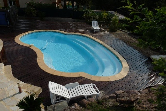 Piscine coque polyester Madère