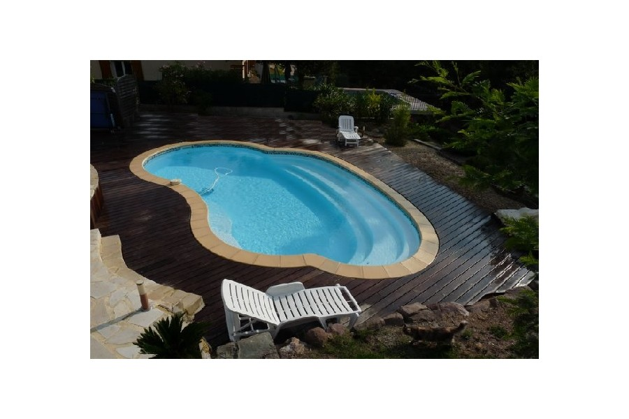 Kit piscine coque polyester mad re for Kit piscine coque polyester