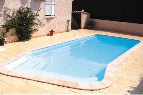 Piscines votre piscine coque polyester en kit abri - Produits piscine discount ...