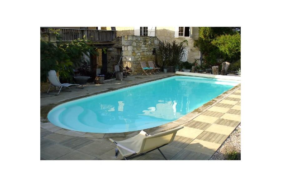 Kit piscine coque polyester antigua for Kit piscine polyester