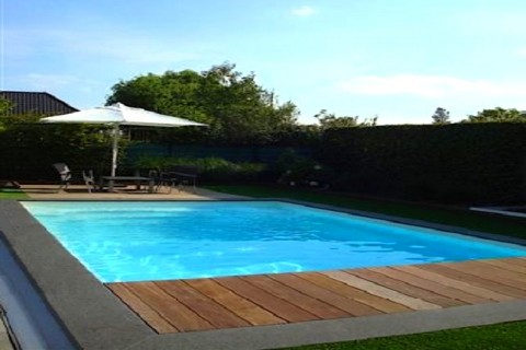 Piscine coque polyester promo piscine coque polyester for Kit piscine coque polyester