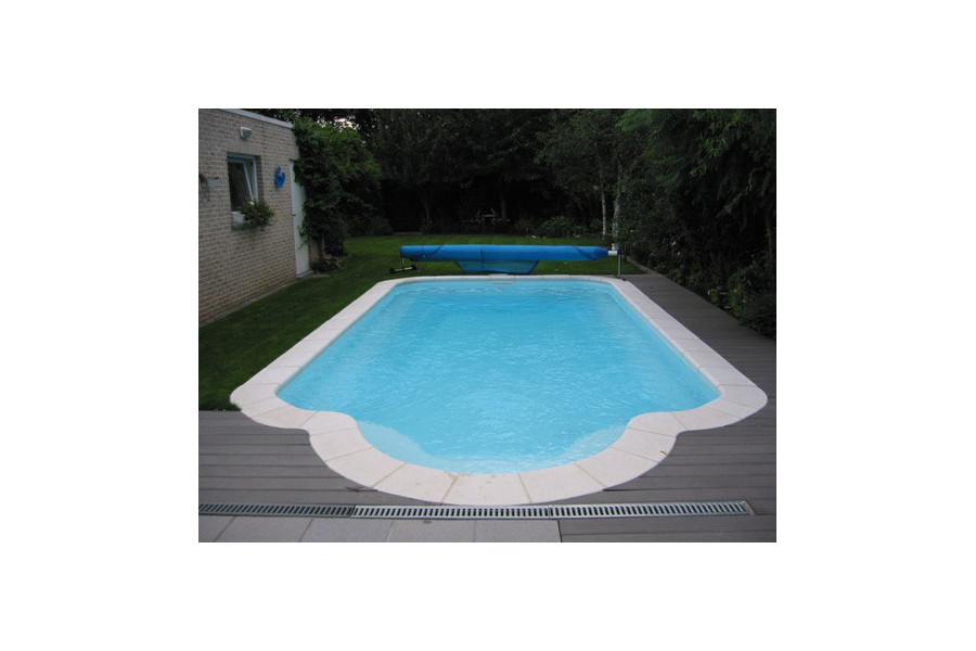 Kit piscine coque polyester sardaigne avec piscines for Piscine polyester