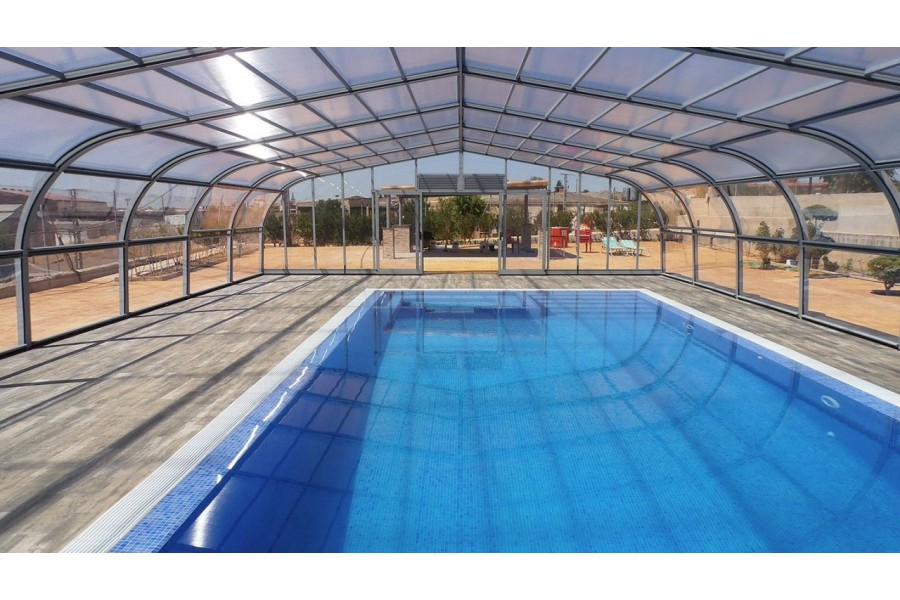 Abri de piscine en kit abris piscine en kit guide piscine for Prix piscine coque 4x8