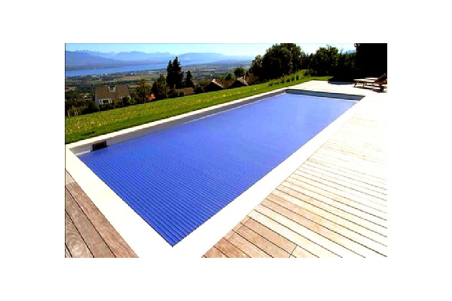 Piscine couloir de nage polyester cuba 13 for Kit piscine coque polyester