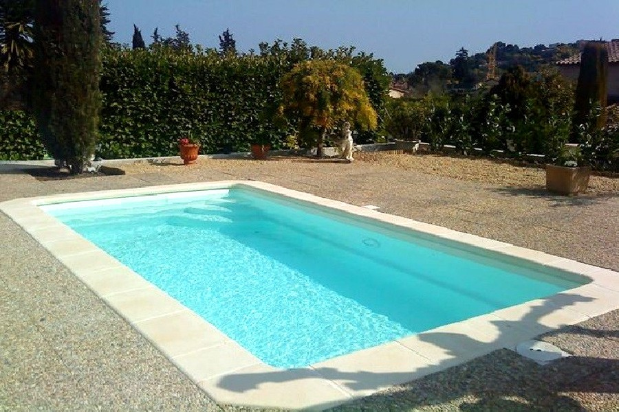 Mini piscine polyester fidji for Mini piscine rectangulaire