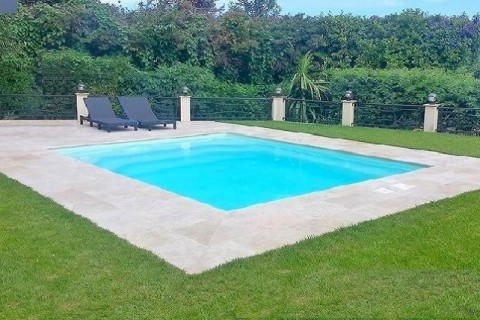 Piscine carrée coque polyester Jersey