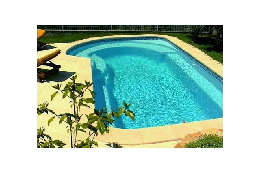 Kit piscine coque polyester bahamas avec piscines for Kit piscine polyester