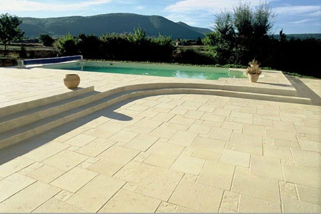 Margelles Antigua sur mesure pour votre piscine