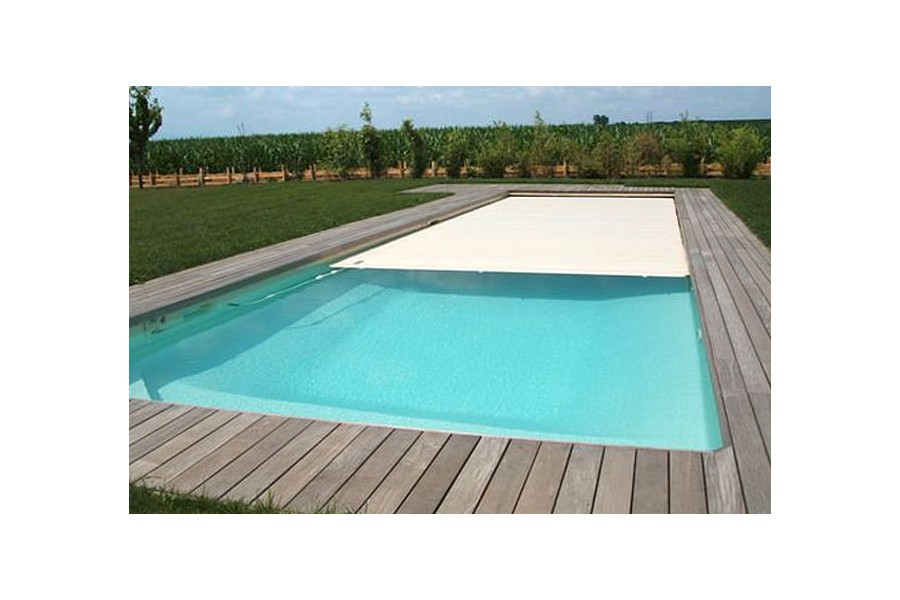 Piscine cr te kit piscine coque polyester for Piscine miroir en kit