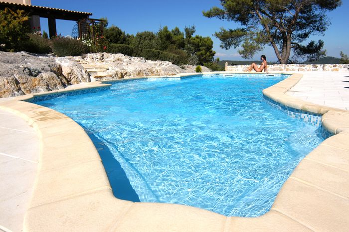 Piscines sur mesure piscines kit for Prix piscine sur mesure